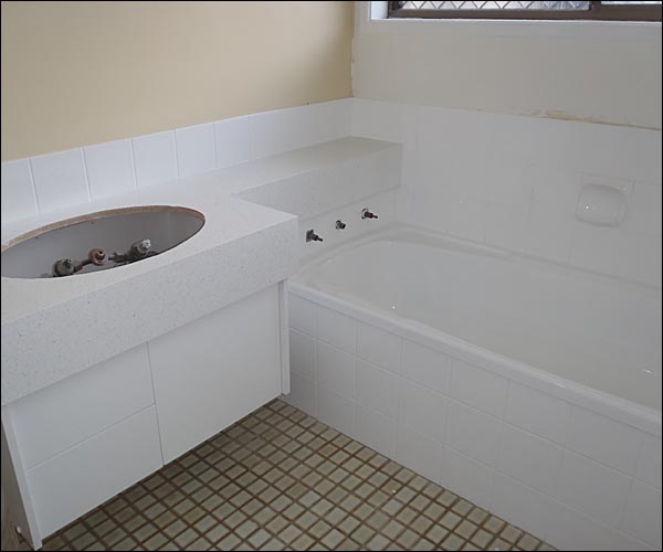 Coverthe Area Around The Tub. Bathtub Reglazing Indianapolis Bath Tub  Refinishing And Repair In